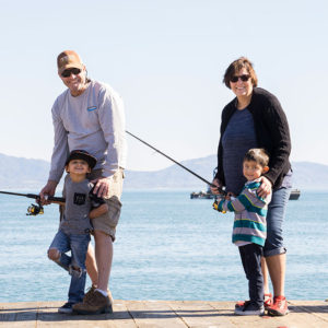 strearns_wharf_bait_and_tackle_fishing_family