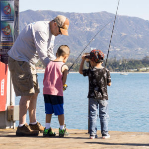 strearns_wharf_bait_and_tackle_fishing_kids